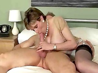 busty mature loveliness likes giving a sloppy