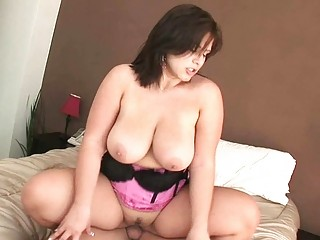 big boobed woman hoe rides her lovers gigantic