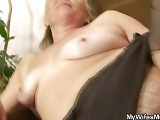 slutty elderly opens furry pussy for super fresh