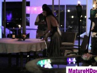 watch romantic older prettie get eaten out