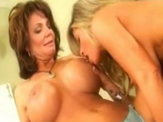 deauxma & kristal summers, hot chick dikes