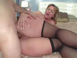 giant ass mommy loves the ass porn