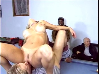 blonde with giant bossom acquires her vagina