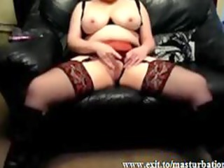 peggy slutty uk lady devices and cums at home