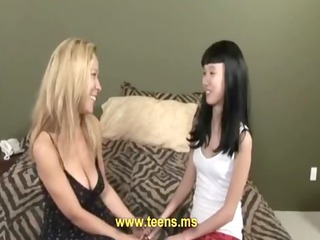 amateur homosexual woman brunette and pale milf