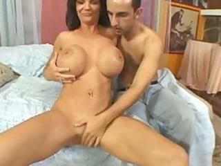 deauxma giant boobs!