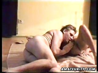 mature amateur woman licks and gang-bangs with