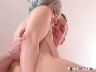 desperate elderly hooker obtains that wet cunt