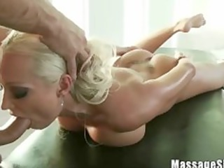 awesome bleached diana licking her masseurs