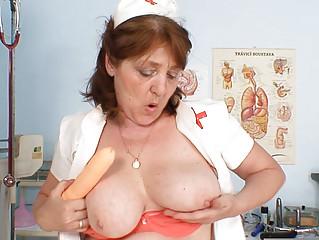 horny amateur grandma cum vibrator masturbation