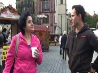 tourist elderly acquires humped