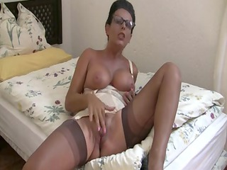 a mother id like to fuck is giving a lesson for