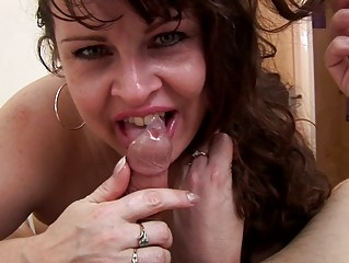 hungry heavy mom wills some penis