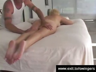 girl tracy takes massage with cunnilingus end
