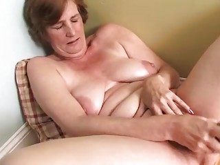 naughty lady cougar masturbation