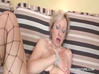 pale whore bangs her cougar horny whore with