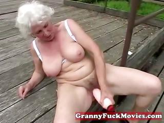 check out those dirty grandma