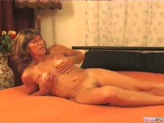 mature granny slut 31