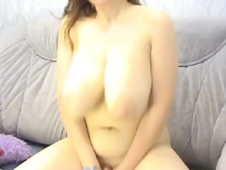 chubby brunette with big bossom on webcam
