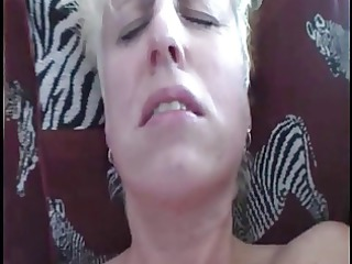 heavy cougar lady acquires her first orgasm