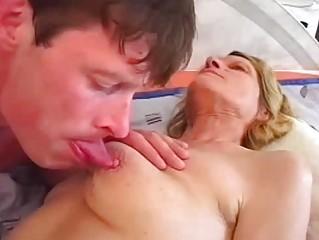 amateur buck drives a charming grown-up vagina