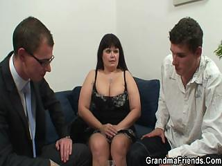 her granny plump vagina is nailed by two libidos