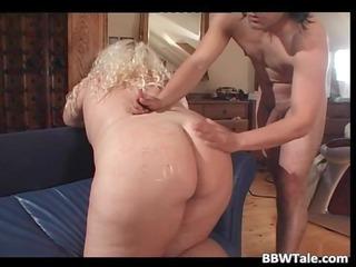 big arse blonde belle cave masturbating