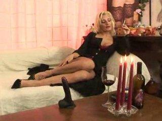bella signora vs bbc...italian mature arse