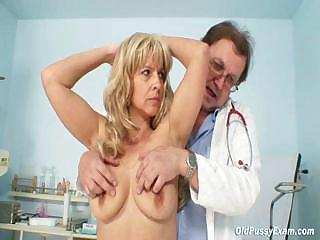 lady jirina teached by gyno doc how to use a