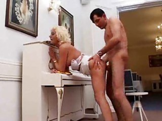 busty lady likes deep butt fuck