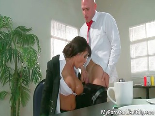 nasty brunette chick hoe lisa amanda licks