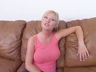 bleached grown-up chick gets pumped on couch