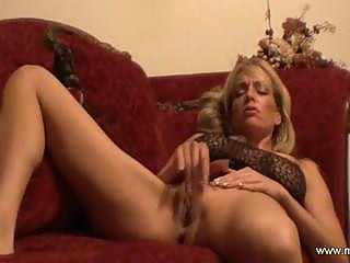 gorgeous milf masturbated and cumshots natural