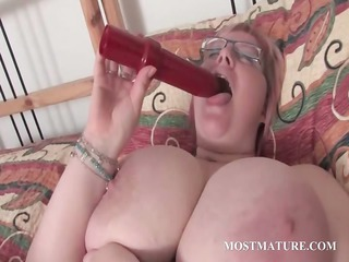 grownup bbw vibrating her busty bitch
