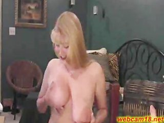 giant tits grown-up slut squirts on webcam