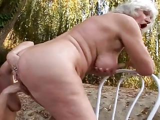 2 grannies open-air pleasure
