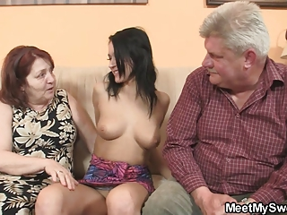 dirty babe banging with her bf old parents