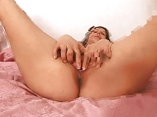 woman solo masturbation