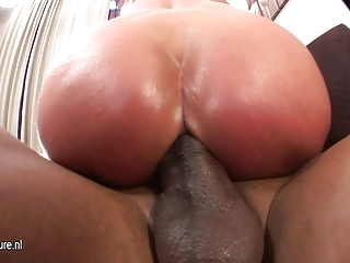 fresh mature bitch woman dripping old cunt all