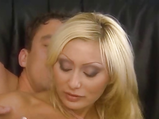 italian blond mommy banged nicely into the ass