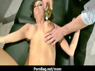 busty mommy really got huge boobs 26