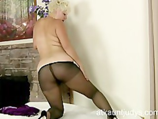 woman kelly likes with her stockings nylons