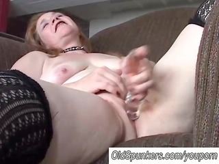 sweet cougar lady has a fat wet pussy