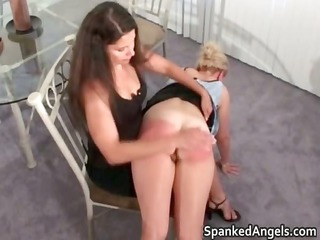 albino chick acquires bent over knees to get