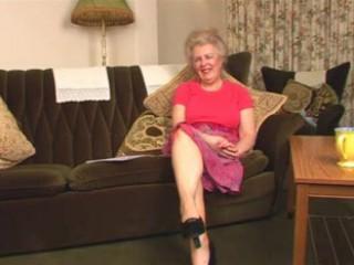 amazing hairy elderly granny fisting intro