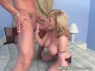 horny blonde cougar chick takes craving kitty