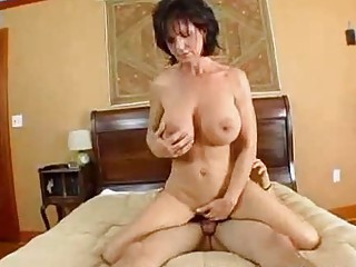 slutty lady deauxma squirts from anal!