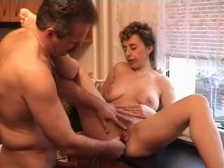 desperate older bitch giving dick sucking and