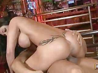 curvy momma jewels has her wet cave pumped with