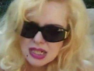 anna - older blond